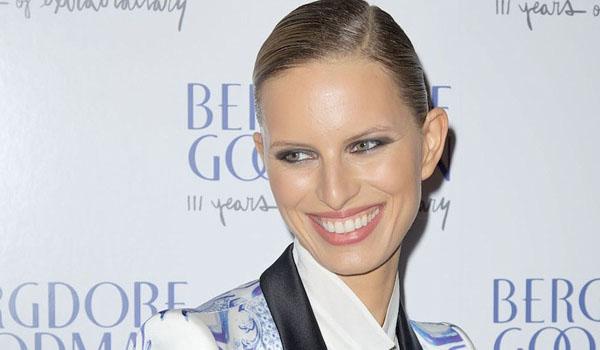 Karolina Kurkova también apuesta por el traje