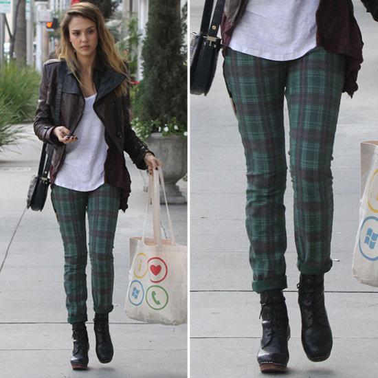 5a903f3b6849ff1b_Jessica-Alba-plaid-jeans.xxxlarge_1