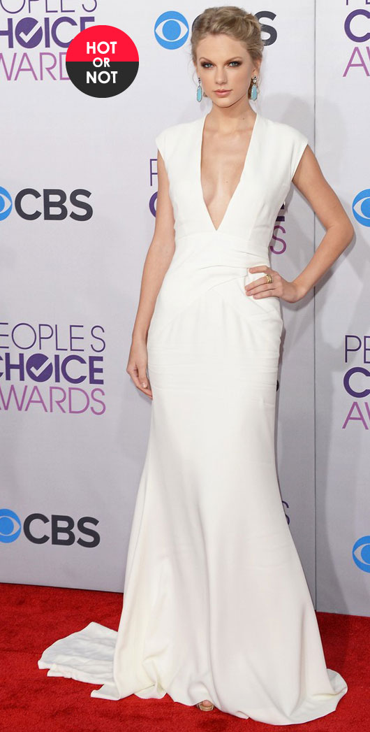 taylor-swift-peoples-choice-awards-2013-red-carpet-031