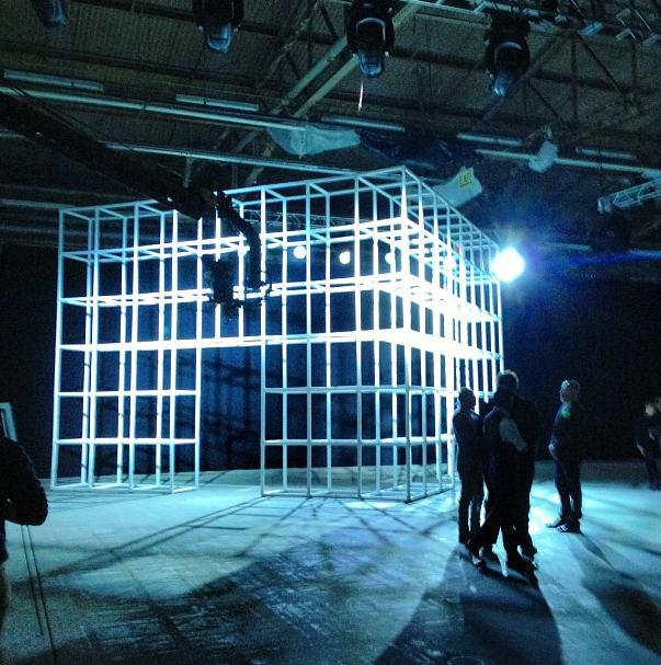 alexander-wang-nyfw-ss14-escenario