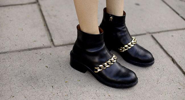 Chain boots de Givenchy: ¿Rita Ora o Chiara Ferragni?