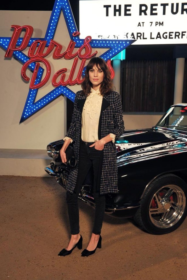 alexa-chung-chanel-dallas-front-row