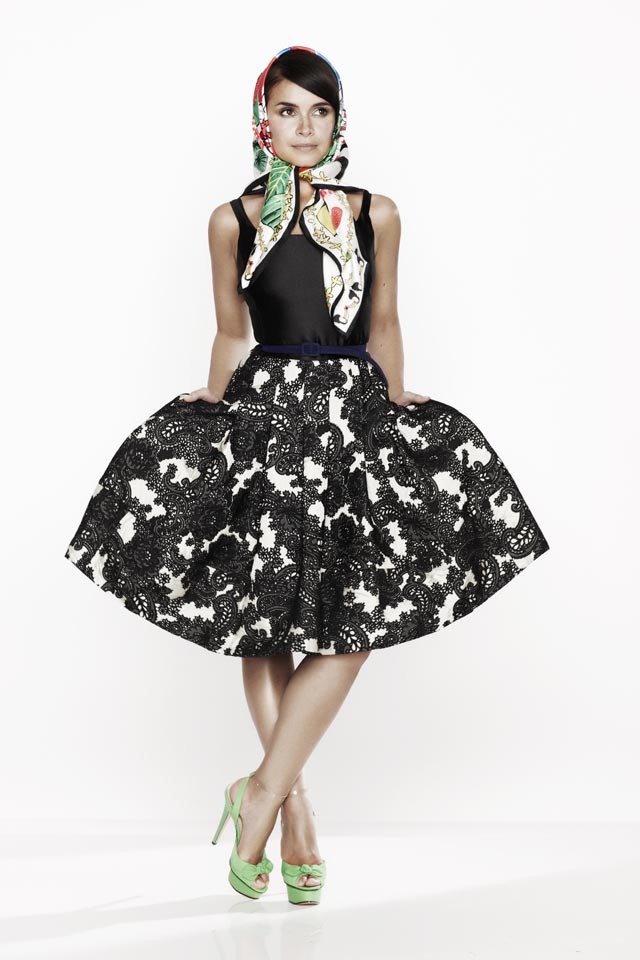 miroslava-duma-for-oscar-de-la-renta-x-the-outnet-1