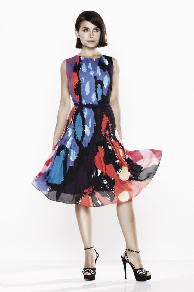 miroslava-duma-for-oscar-de-la-renta-x-the-outnet-6