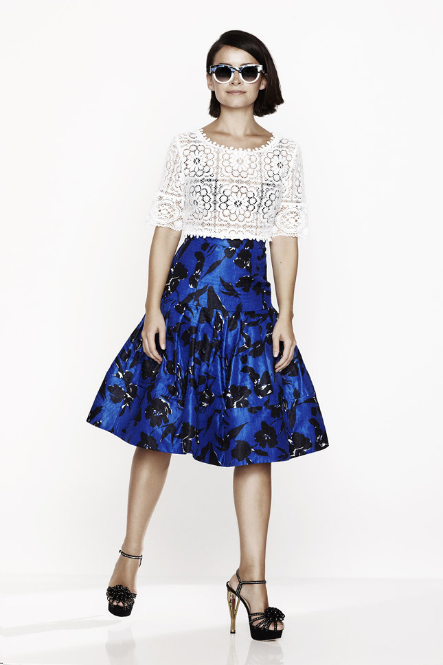 miroslava-duma-for-oscar-de-la-renta-x-the-outnet-7