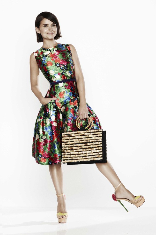 miroslava-duma-for-oscar-de-la-renta-x-the-outnet-8