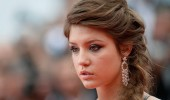 ¿Le ha copiado el look Adele Exarchopoulos a Emma Watson o ha sido Louis Vuitton a Chanel?