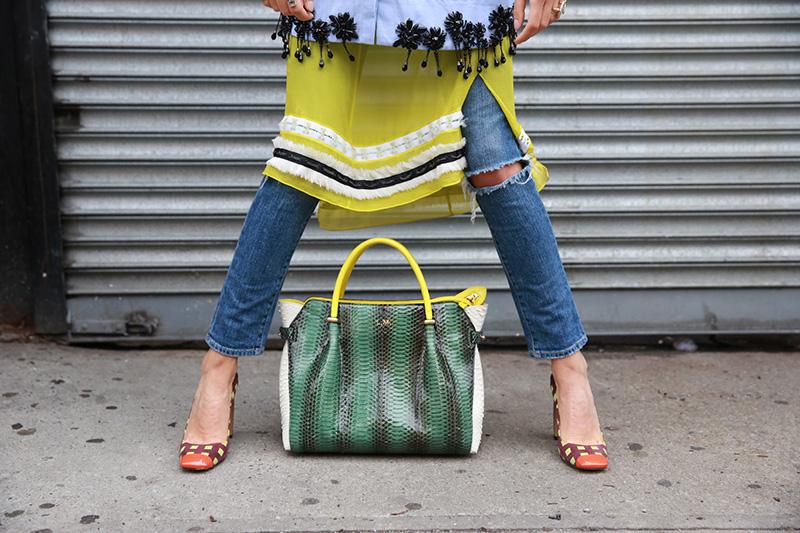 Trend Alert: Faldas sobre jeans.