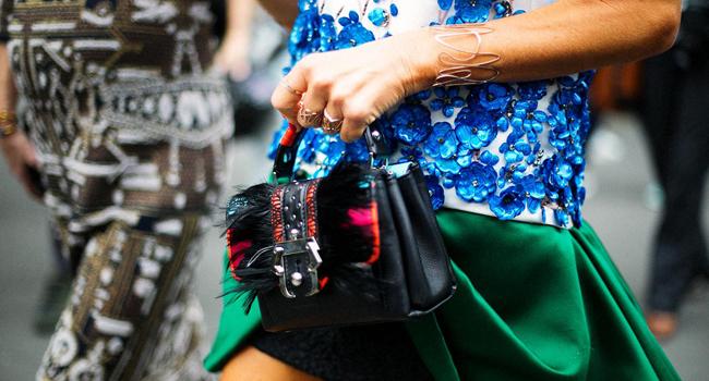 Los bolsos del street style de la Alta Costura de París