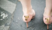 Los ugly shoes siguen dominando el street style
