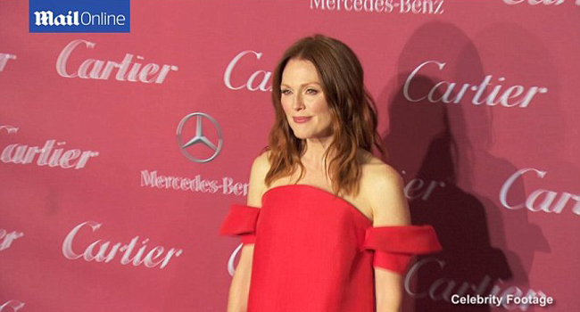 Julianne Moore de Delpozo y consigue el look de Keira Knightley