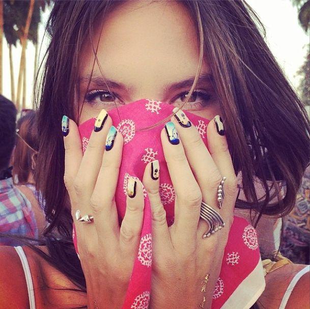 El nailart (con truco) de Alessandra Ambrosio en #Coachella