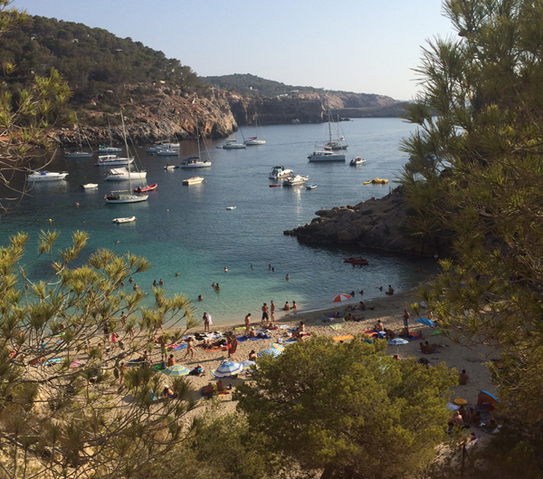 cala-saladeta-ibiza-be-trendy-my-friend