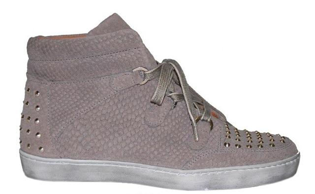sneaker-gris-tachuelas-animal-print-piton-934v-exé