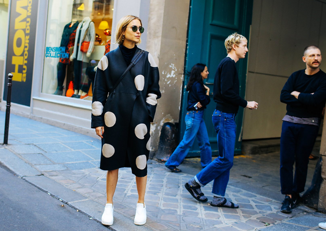 sneakers-street-style-pfw-02