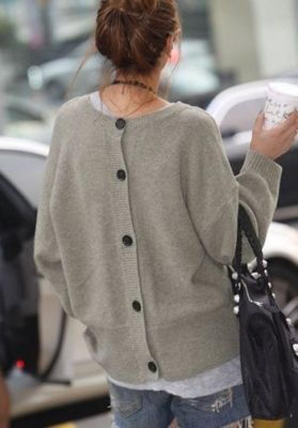01-chaqueta abotonada por detrás