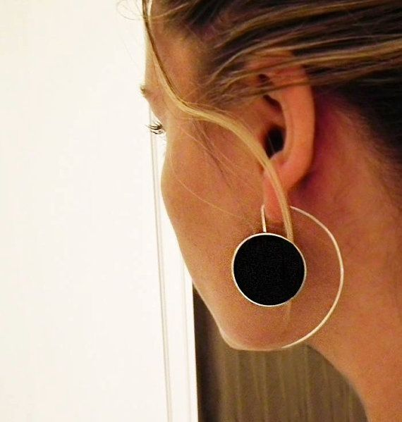 Inspiration: Solo earrings