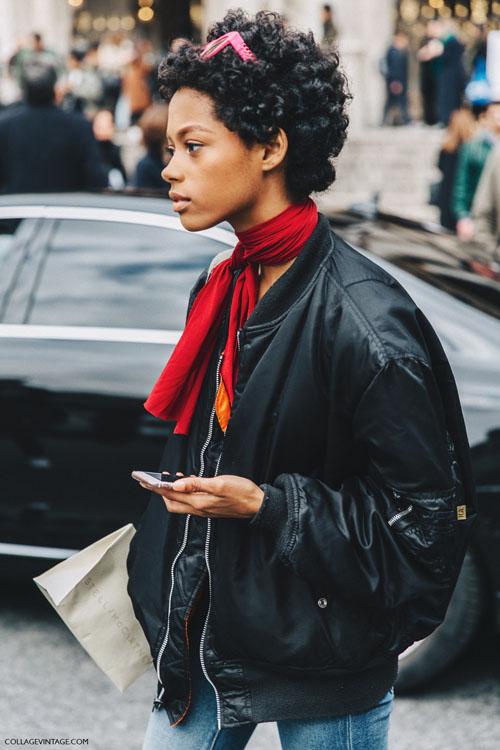 9 formas, street style-approved, de ponerse un pañuelo en el cuello
