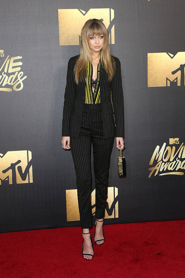 gigi-hadid-mtv-movie-awards-versace