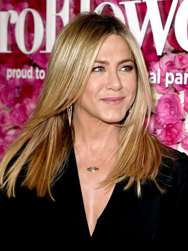 Jennifer Aniston de Anthony Vaccarello en la prèmiere de Mother´s Day