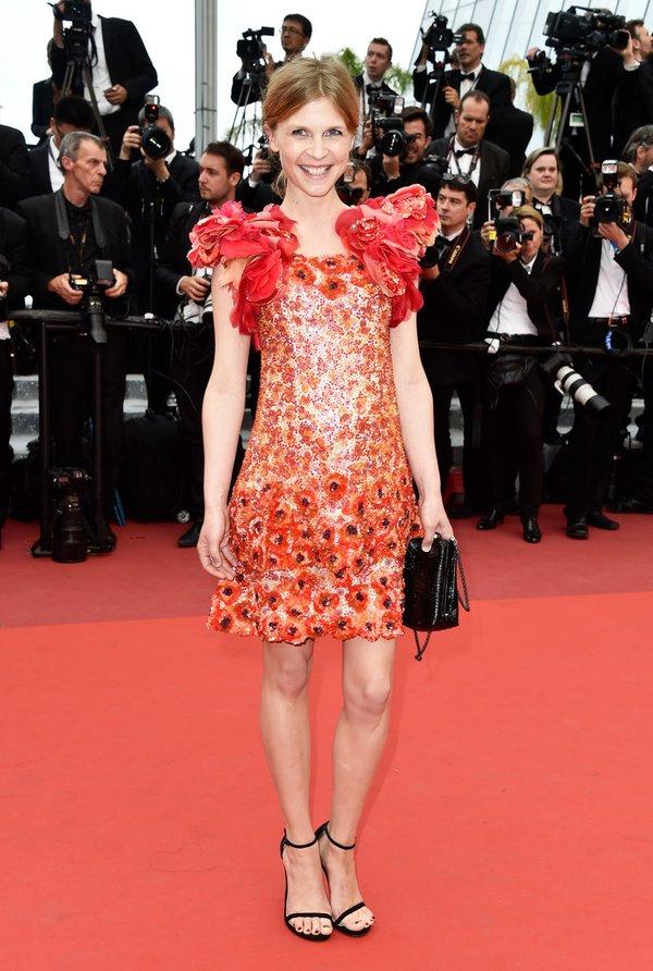 Clémence Poésy de Chanel en la ceremonia de clausura del Festival de cine de Cannes