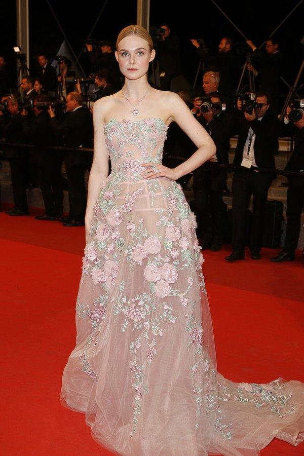 Elle Fanning de Zuhair Murad en la prèmiere de The Neon Demon en el Festival de Cine de Cannes