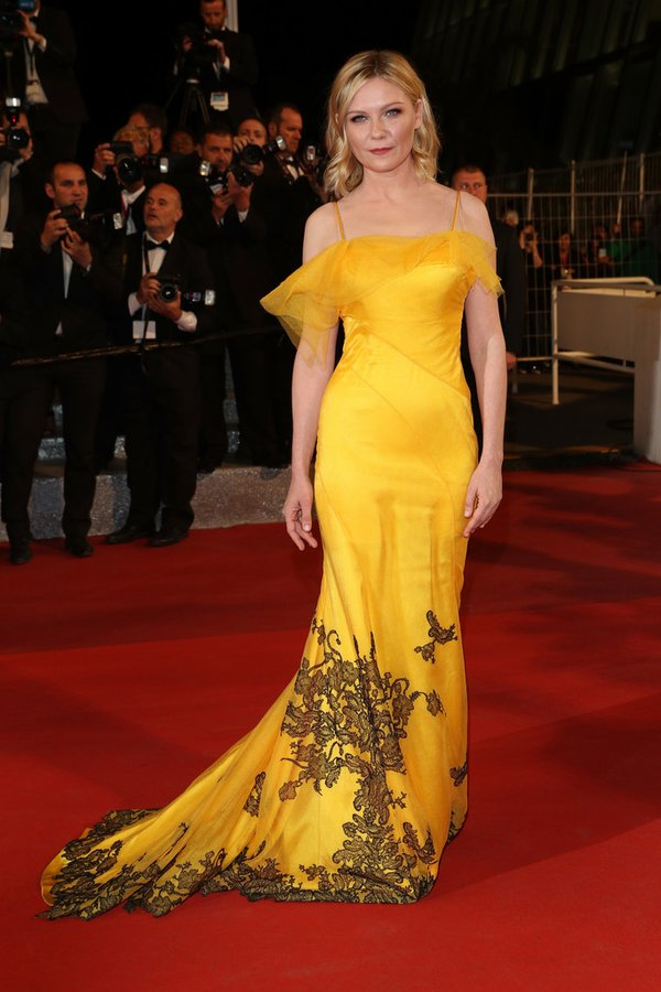 Kirsten Dunst de Maison Margiela Couture en la prèmiere de The Neon Demon en el Festival de cine de Cannes