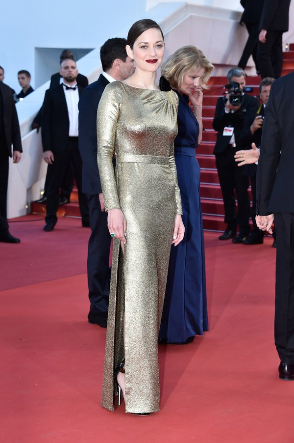 Marion Cotillard de Dior en la prèmiere de From the land of the moon del Festival de cine de Cannes 2016