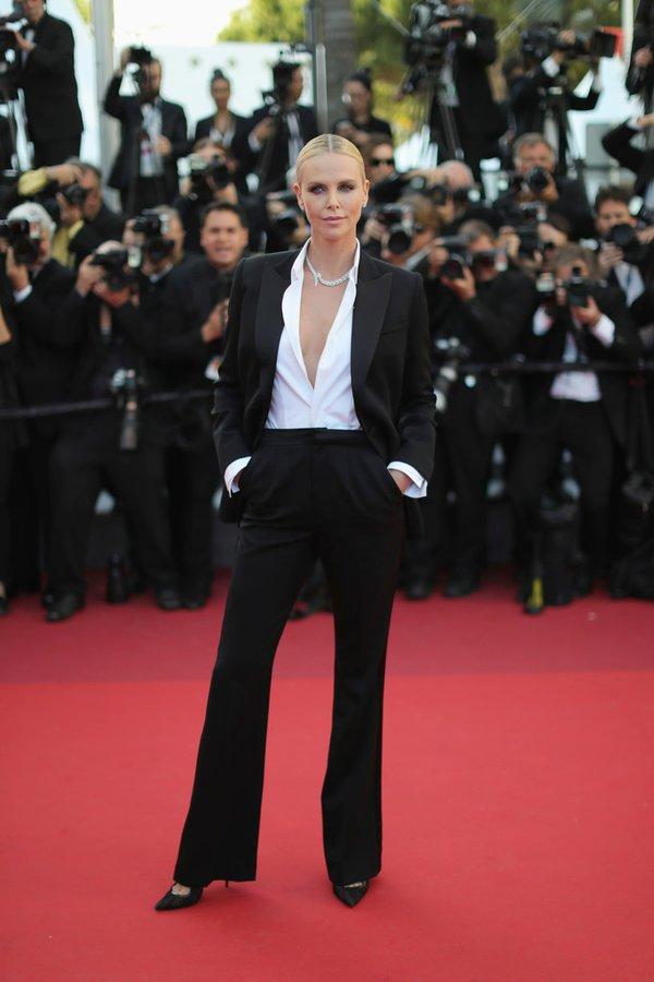 Charlize Theron de Dior en la prèmiere de The Last Face en el Festival de cine de Cannes