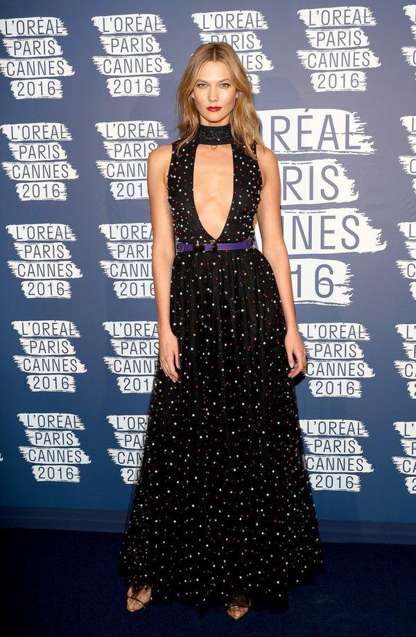 Karlie Kloss de Elie Saab en la fiesta de L´Oréal Paris en el Festival de Cine de Cannes