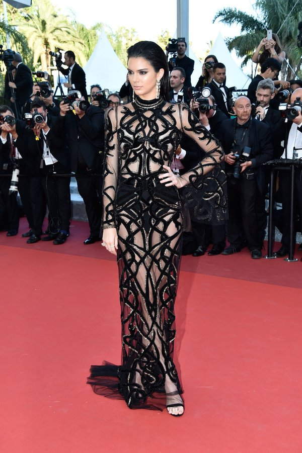 Kendall Jenner de Roberto Cavalli en la prèmiere de From the Land of the Moon en el Festival de Cine de Cannes 2016