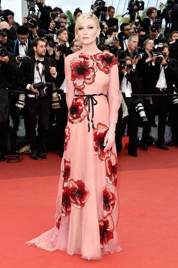 Kristen Dunst de Gucci en la prèmiere de Cafe Society en el Festival de Cine de Cannes