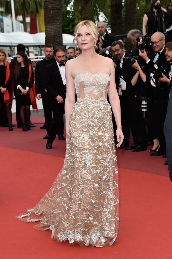 Kirsten Dunst de Valentino en la ceremonia de clausura del Festival de Cine de Cannes