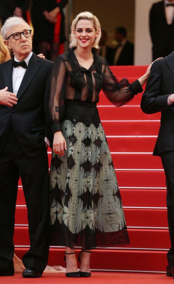Kristen Stewart de Chanel en la prèmiere de Cafe Society en el Festival de Cine de Cannes 2016