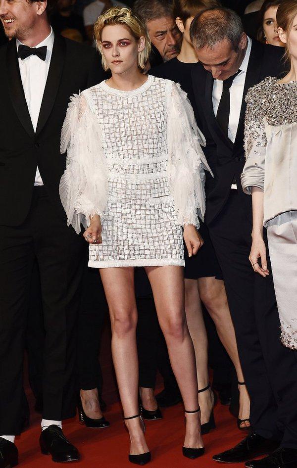 Kristen Stewart de Chanel en la prèmiere de Personal Shopper en el Festival de Cine de Cannes 2016