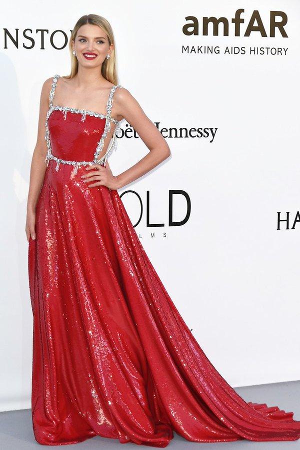 Lily Donaldson de Prada en la gala amfAR en el Festival de Cine de Cannes