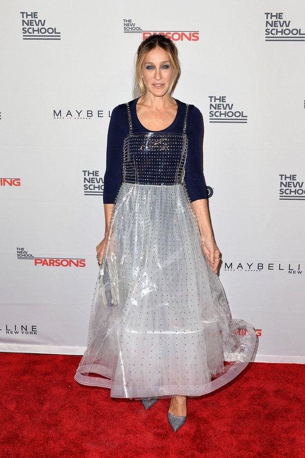 Sarah Jessica Parker de Valentino en la 2016 Parsons Benefit