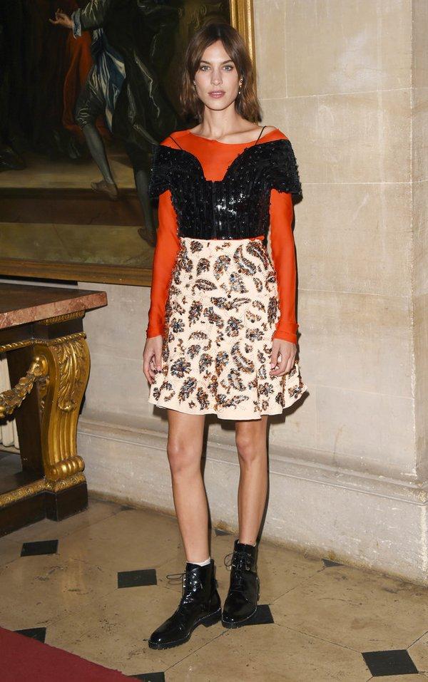 Alexa Chung de Dior en el desfile Crucero 2017 de Dior