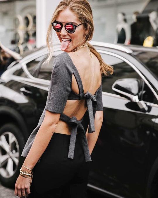 El top backless y frontless de Chiara Ferragni en el desfile de Dior