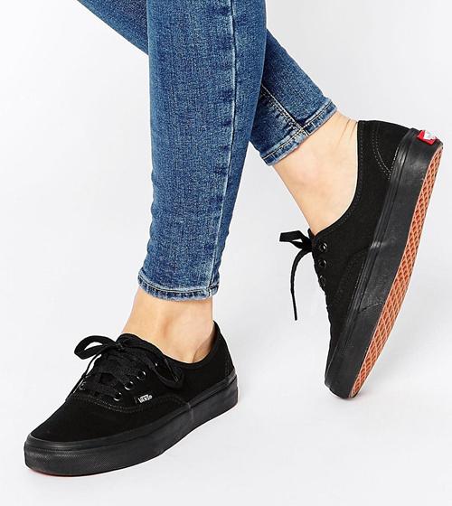 zapatillas negras vans