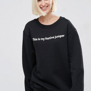 sudadera negra con mensaje this is my festive jumper de asos
