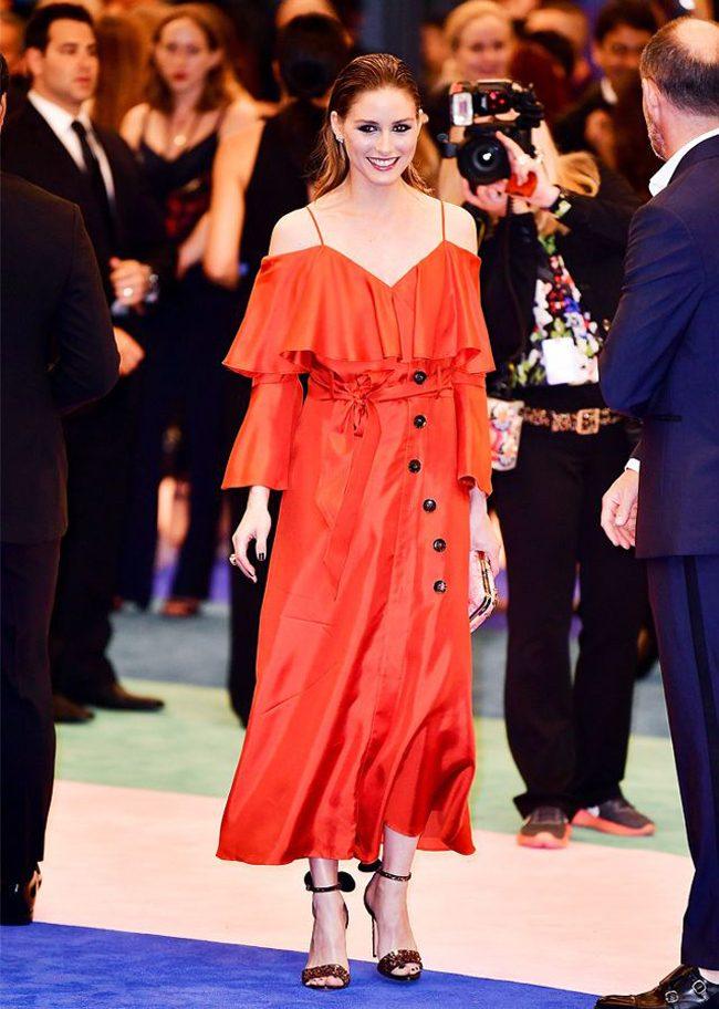 Alfombra roja de los CFDA Awards Olivia Palermo con vestido de Banana Republic
