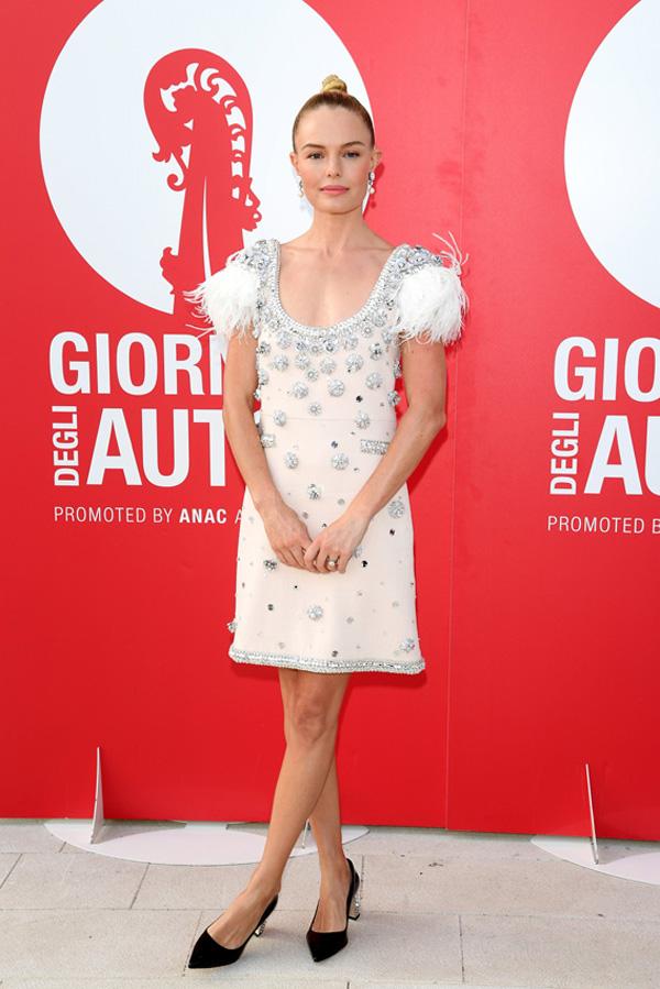 Kate Bosworth con vestido joya miu miu en el festival de cine de venecia 2017