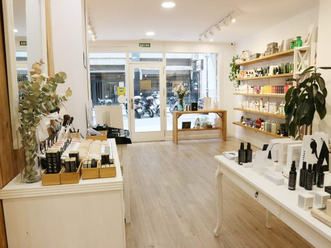 vista-general-tienda-verum-natura-tienda-cosmetica-natural-en-alicante-be-trendy-my-friend